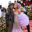 """Kylie Jenner et son compagnon Travis Scott à la 71ème édition du MET Gala (Met Ball, Costume Institute Benefit) sur le thème """"Camp: Notes on Fashion"""" au Metropolitan Museum of Art à New York, le 6 mai 2019"""