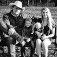 Ned LeDoux, sa femme Morgan et leurs enfants Branson et Haven lors de Thanksgiving en novembre 2017, photo Instagram. Haven est morte à l'âge de 2 ans en octobre 2019 après s'être étouffée.
