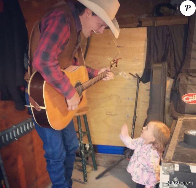 Ned LeDoux et sa fille Haven, photo publiée le 3 juillet 2019 sur Instagram. Haven est morte en octobre 2019 lors d'un accident domestique.