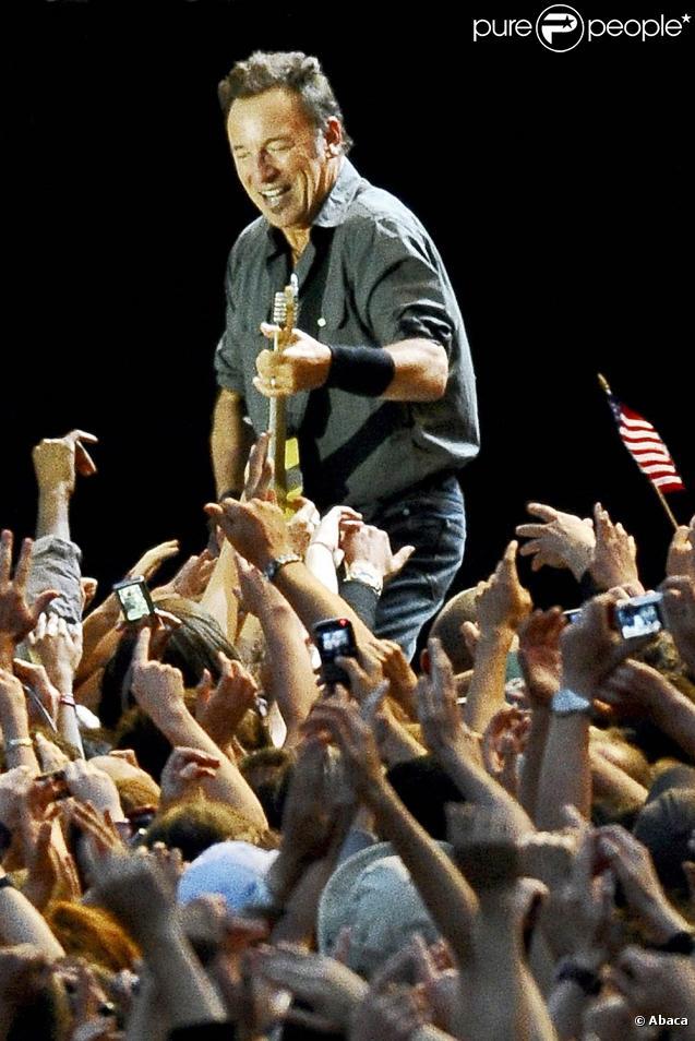 Bruce Springsteen devant 43 000 festivaliers lors de la soirée d'ouverture des Vieilles Charrues, à Carhaix, le 16 juillet 2009