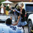 """Laeticia Hallyday avec sa fille Jade et le prince Philibert de Savoie - Le prince Emmanuel-Philibert de Savoie est au volant de la voiture """"Shelby Cobra"""" sport de Johnny avec Laeticia Hallyday direction le restaurant SoHo House de Malibu en famille à Los Angeles, le 3 novembre 2019."""
