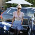 """Laeticia Hallyday - Le prince Emmanuel-Philibert de Savoie est au volant de la voiture """"Shelby Cobra"""" sport de Johnny avec Laeticia Hallyday direction le restaurant SoHo House de Malibu en famille à Los Angeles, le 3 novembre 2019."""