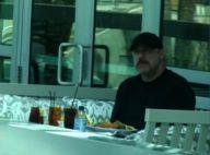 John Travolta : plus de six mois après la mort de son fils Jett, il est méconnaissable et dévasté... Regardez !
