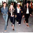 Victoria Beckham, Emma Bunton, Mel B et Mel C à l'aéroport de Londres, le 2 septembre 1998.