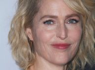 "Gillian Anderson, sublime au bras de son compagnon Peter Morgan pour ""The Crown"""