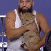 Mouloud Achour, un lionceau dans Clique : l'émission visée par une plainte