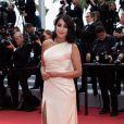 """Leïla Bekhti - Montée des marches du film """"A Hidden Life"""" lors du 72ème Festival International du Film de Cannes. Le 19 mai 2019 © Borde / Bestimage"""