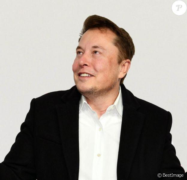 Elon Musk à la soirée The Golden Steering Wheel au Axel Springer SE à Berlin le 12 novembre 2019.