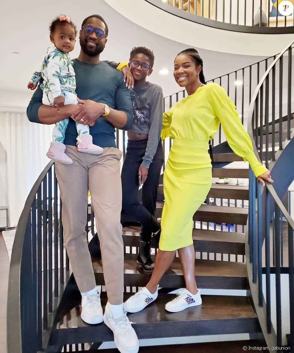 Dwyane Wade avec sa femme Gabrielle Union, leur fille Kaavia et son fils Zion le 28 novembre 2019 pour fêter Thanksgiving.