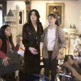Michael Jackson fêtant Noël en 1999 dans son ranch de Neverland : Omer/Matthew en chemise rouge