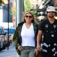 Cuba Gooding Jr. et sa compagne Claudine De Niro se promènent dans les rues de New York, le 14 octobre 2019.