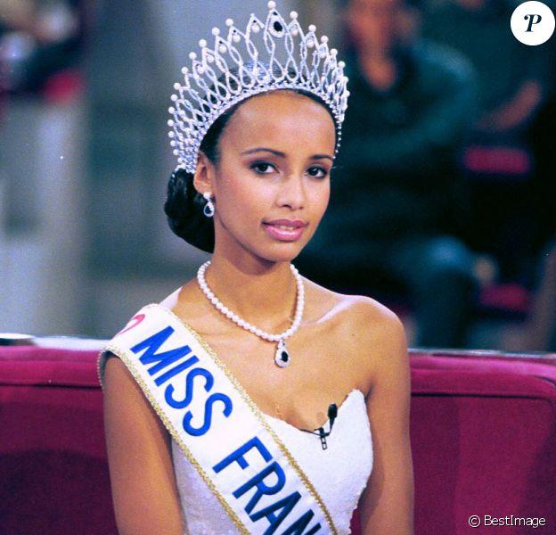 Miss France 2000 Sonia Rolland dans Vivement dimanche, le 17 décembre 1999