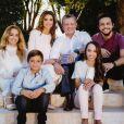 La reine Rania et le roi Abdullah II de Jordanie entourés de leurs enfants la princesse Iman, le prince Hashem, la princesse Salma et le prince héritier Hussein le 8 décembre 2016 pour la carte de voeux du nouvel an 2017.