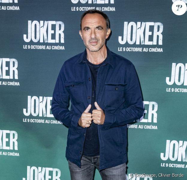 """Nikos Aliagas à l'avant-première du film """"Joker"""" au cinéma UGC Normandie à Paris, le 23 septembre 2019. © Olivier Borde/Bestimage"""