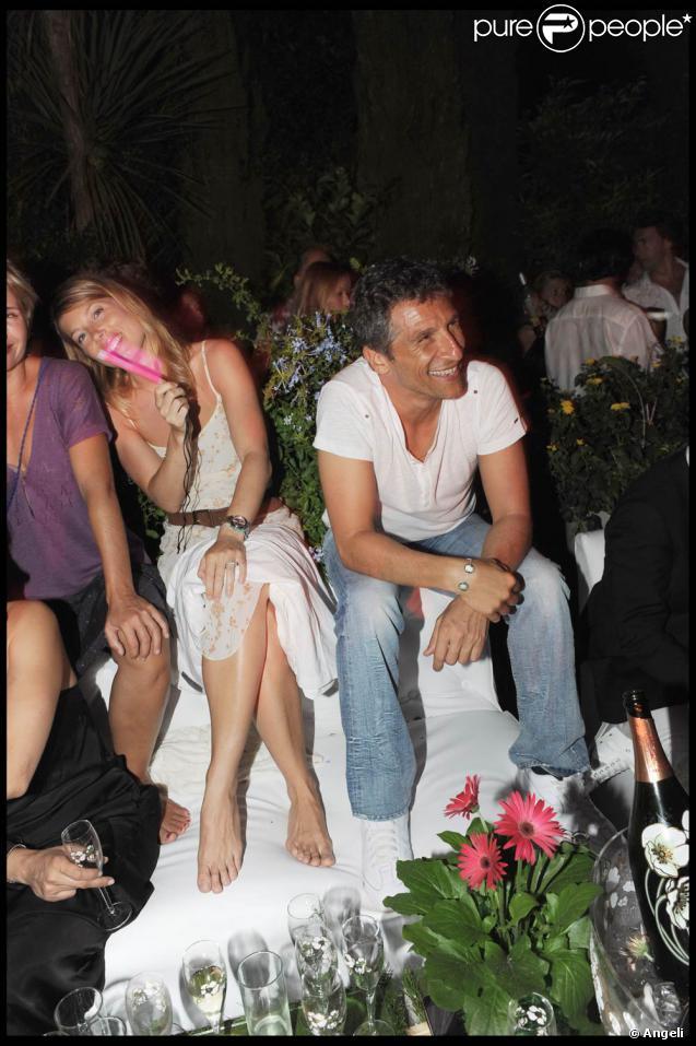 Nagui et sa compagne Mélanie Page à la soirée Byblos (Saint-Tropez, 28 juillet 2009)