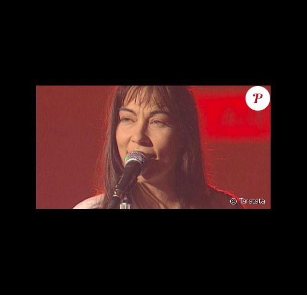 """Capture d'écran de l'émission """"Taratata""""."""