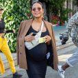 Christina Milian, enceinte, a déjeuné avec son amie Nicole Williams au restaurant Ivy à Los Angeles le 14 janvier 2020.