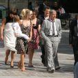 Romane et Renaud ont assisté au mariage de la fille du chanteur avec Renan Luce. Le petit Malone était bien entendu de la partie !