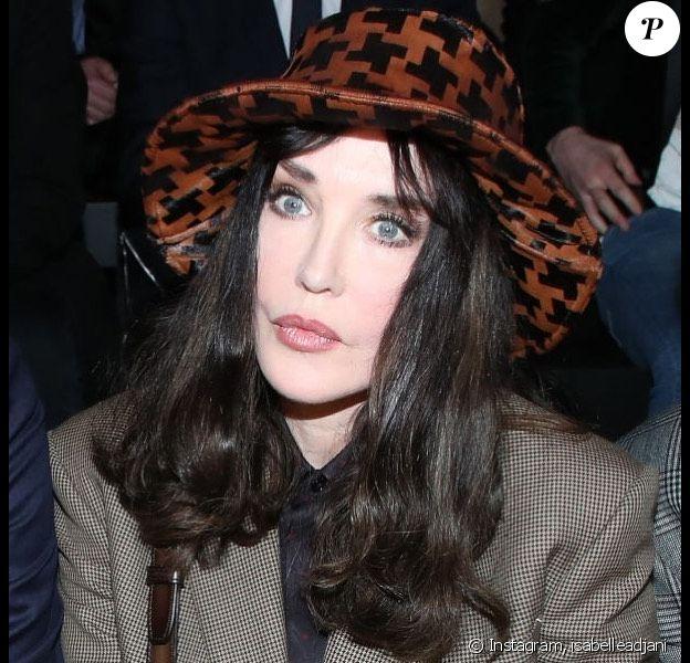 Isabelle Adjani à la Fashion Week de Paris le 17 janvier 2020.