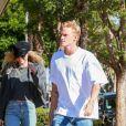 Exclusif - Miley Cyrus et son compagnon Cody Simpson sont allés déjeuner en amoureux au restaurant Granville dans le quartier de West Hollywood à Los Angeles, le 28 octobre 2019