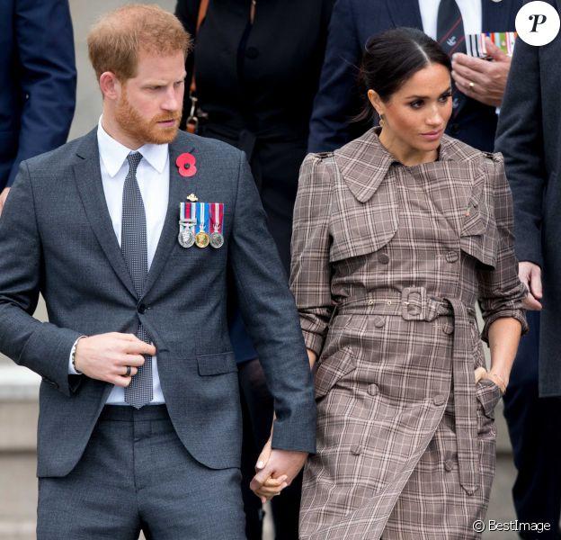 """Le prince Harry, duc de Sussex, et Meghan Markle, duchesse de Sussex, enceinte assistent à une cérémonie de bienvenue traditionnelle """"Hongi"""" sur les pelouses de la Government House à Wellington, Nouvelle-Zélande, le 28 octobre 2018. P"""