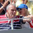 Jean-Charles de Castelbajac et sa compagne Pauline de Drouas dans les tribunes lors des internationaux de tennis de Roland Garros à Paris, France, le 1er juin 2019. © Jacovides-Moreau/Bestimage