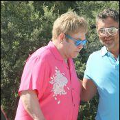 Elton John à Saint-Tropez... Un festival de couleurs !