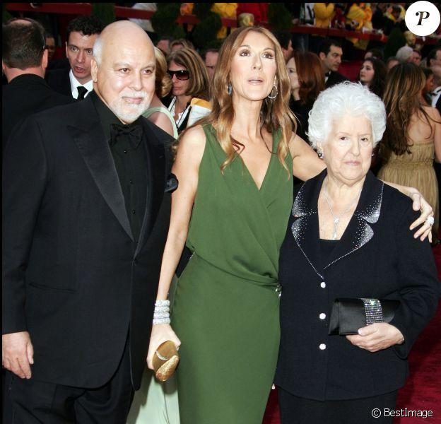 René Angelil, Céline Dion et sa mère Thérèse aux Oscars le 25 février 2007 à Los Angeles.