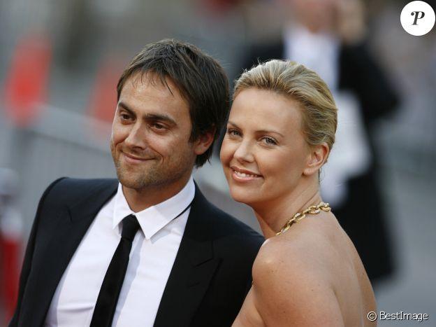 Charlize Theron et Stuart Townsend, vctimes de la malédiction des Oscars.