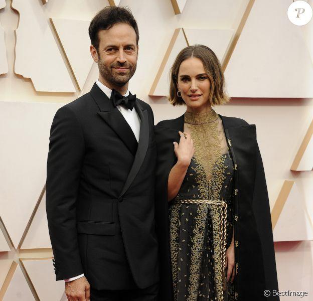 Natalie Portman et son mari Benjamin Millepied lors du photocall des arrivées de la 92ème cérémonie des Oscars 2020 au Hollywood and Highland à Los Angeles, Californie, Etats-Unis, le 9 février 2020.