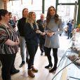 Kate Middleton, duchesse de Cambridge, lors d'une visite d'un café social pour rencontrer des habitants pour son enquête sur la petite enfance à Aberdeen, Écosse, Royaume Uni, le 12 février 2020.
