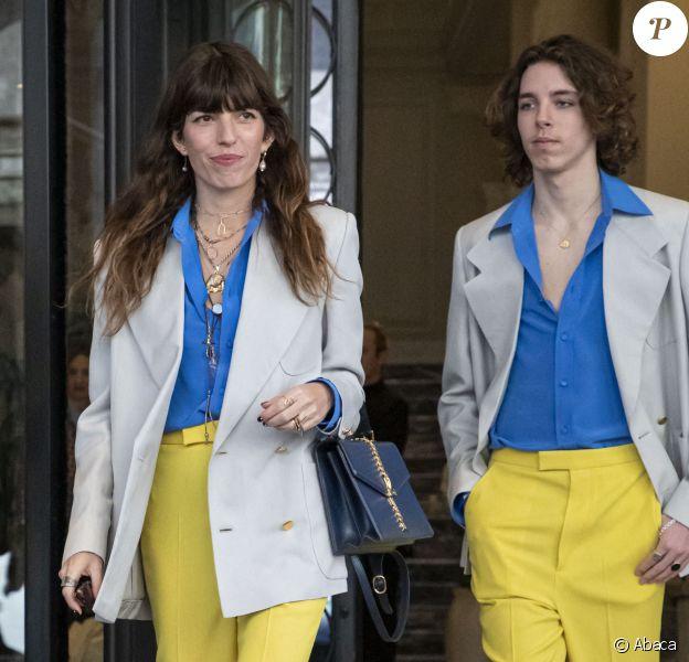 Lou Doillon et son fils Marlowe quittent l'hôtel Palazzo Parigi pour se rendre au défilé Gucci, collection automne-hiver 2020-2021. Milan, le 19 février 2020.