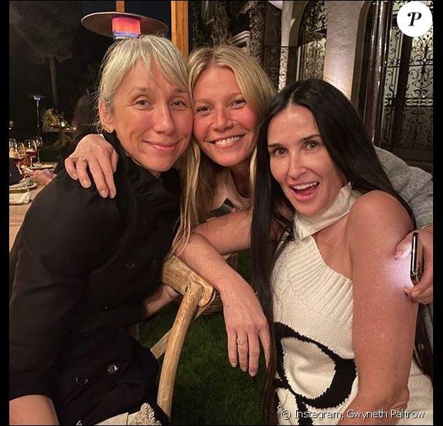 L'artiste Alexandra Grant (compagne de Keanu Reeves), Gwyneth Paltrow et Demi Moore assistent à la soirée sans maquillage de goop, pour sa gamme de produits pour la peau Goop Glow. Beverly Hills, le 19 février 2020.