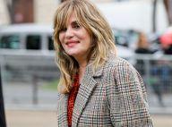 Emmanuelle Seigner souriante après les César, sortie mode à la Fashion Week