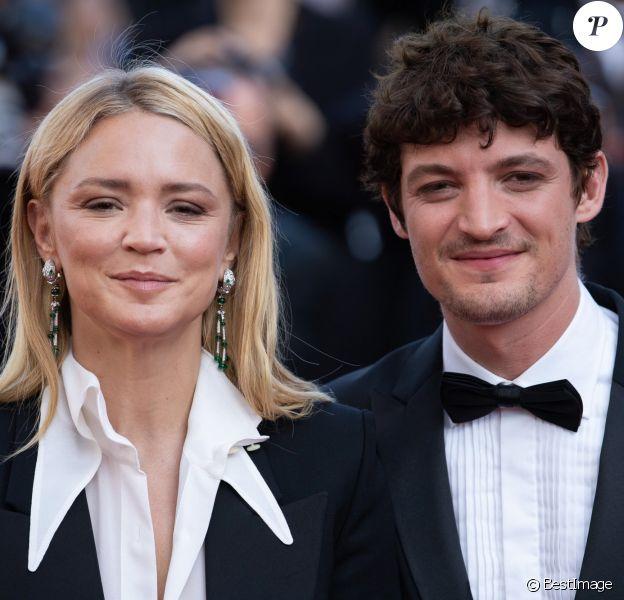 """Niels Schneider et sa compagne Virginie Efira - Montée des marches du film """"Hors Normes"""" pour la clôture du 72ème Festival International du Film de Cannes. Le 25 mai 2019"""