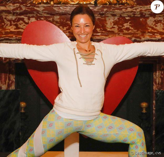 """Exclusif - Natasha St-Pier - 5ème Opération """"Yogis du Coeur"""" au profit de """"Mécénat Chirurgie Cardiaque"""" à l'hôtel InterContinental Hotel Paris Le Grand à Paris le 18 novembre 2018. Après les célèbres """" petits - déjeuners du coeur """", le Grand Hôtel renouvelle son engagement en proposant de participer au plus grand rassemblement de yoga solidaire dans un magnifique écrin classé au coeur de Paris : le Salon Opéra ! Le Tigre Yoga Club, partenaire de l'opération, propose aux convives de participer à un véritable voyage corporel de 2h alliant postures de yoga, méditation active, danse libre et gong. Une expérience nouvelle pour tous les adeptes de cette discipline. La séance était menée par Marion Sebih et Philippe Garnier, le maître du Gong.© CVS/Bestimage"""