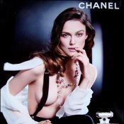 """Pour la nouvelle campagne de Chanel """"Coco Mademoiselle""""...les seins de Keira Knightley ont-ils grossi ?"""