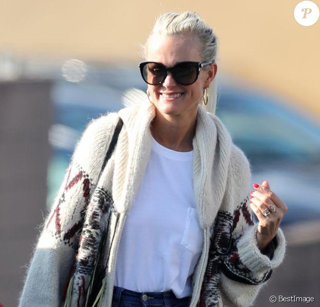 Exclusif - Laeticia Hallyday est allée faire des courses chez Trader Joe's tôt dans la matinée juste après avoir déposé ses filles au lycée à Los Angeles, le 13 janvier 2020.