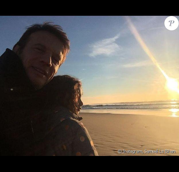 Samuel Le Bihan avec sa fille autiste, Angia, en décembre 2016.