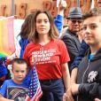 Alyssa Milano et son fils Milo lors d'une manifestation contre les armes à feu (March For Our Lives) à Los Angeles, le 24 mars 2018