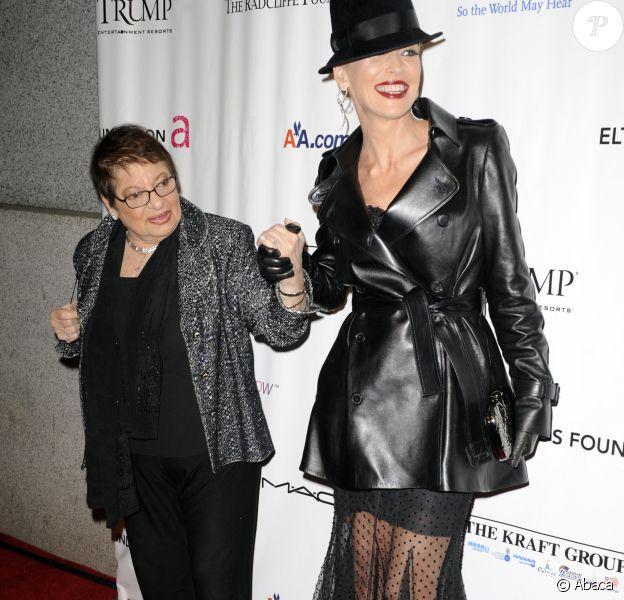 Sharon Stone et  Eileen Mitzman le 16 novembre 2009 à New York.