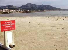 Au secours ! Les people sont interdits de baignade à St Trop !