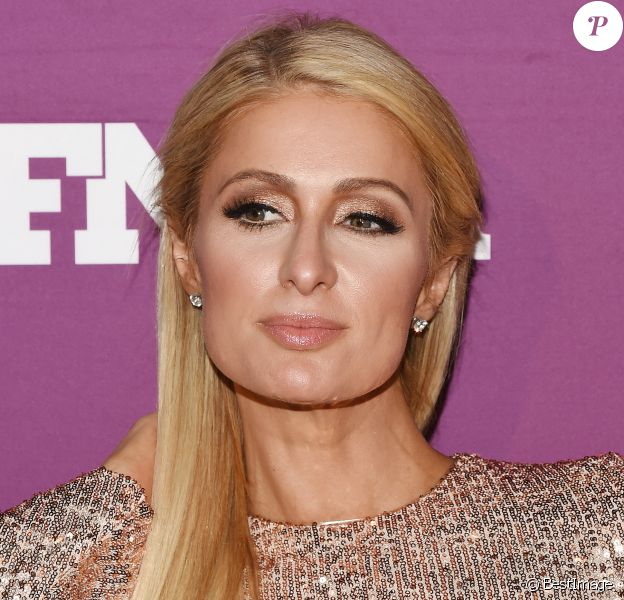 Paris Hilton lors de la 33e édition des 'Footwear News Achievement Awards à New York, le 3 décembre 2019.