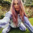 Le top Behati Prinsloo et ses cheveux roses sur Instagram, le 13 avril 2020.
