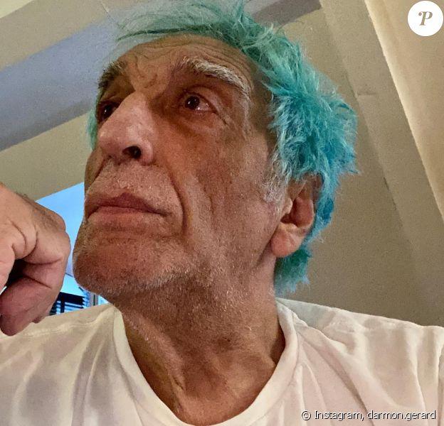Gérard Darmon et ses cheveux turquoise sur Instagram, le 21 mars 2020.