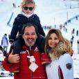 Ingrid Chauvin et Thierry Peythieu avec leurs fils Tom en vacances au ski à Serre Chevalier, le 29 décembre 2018.