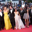 """Margaret Sixel, George Miller, Charlize Theron, Nicholas Hoult, Zoë Kravitz, Doug Mitchell, Courtney Eaton - Montée des marches du film """"Mad Max : Fury Road"""" lors du 68 ème Festival International du Film de Cannes, à Cannes le 14 mai 2015."""