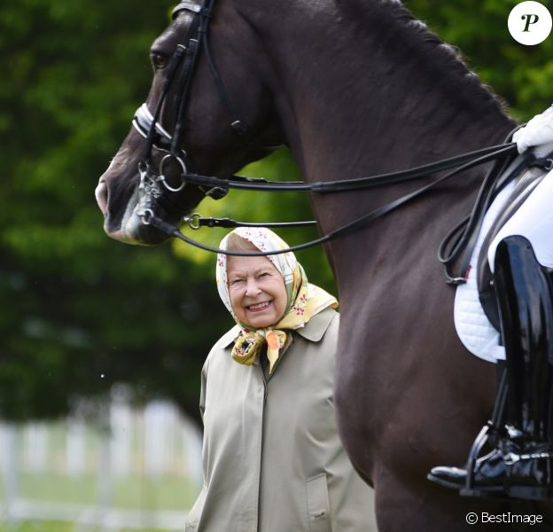 La reine Elisabeth II d'Angleterre se rend à l'évènement The Royal Horse Show 2019 à Windsor, le 9 mai 2019.