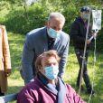 """Exclusif - Elsa Esnoult, Tom Schacht et Patrick Puydebat - Reprise du tournage de la série """"Les Mystères de l'amour"""" à Cergy-Pontoise (Val d'Oise) après 2 mois d'arrêt dû au confinement en pleine épidémie de Coronavirus Covid-19 le 14 mai 2020."""