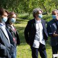 """Exclusif - Tom Schacht, Philippe Vasseur - Reprise du tournage de la série """"Les Mystères de l'amour"""" à Cergy-Pontoise (Val d'Oise) après 2 mois d'arrêt dû au confinement en pleine épidémie de Coronavirus Covid-19 le 14 mai 2020."""